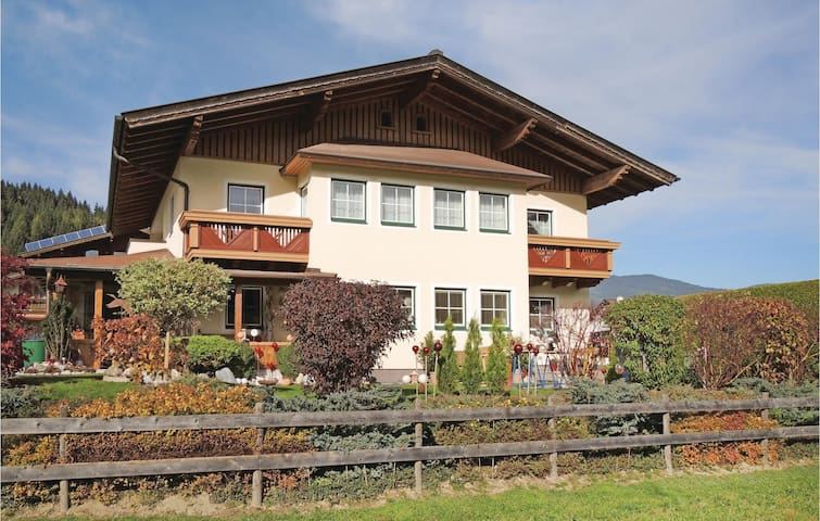 Holiday apartment with 2 bedrooms on 57m² in Flachau