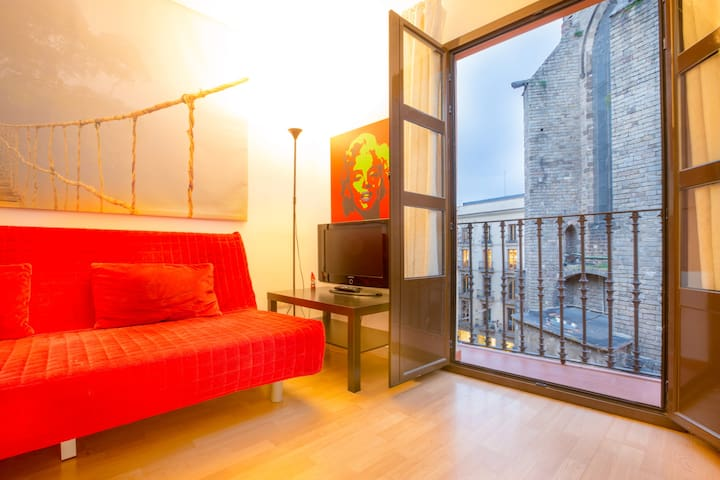 Close to Ramblas, wifi, quite, nice and clean - Barcelona - Pis