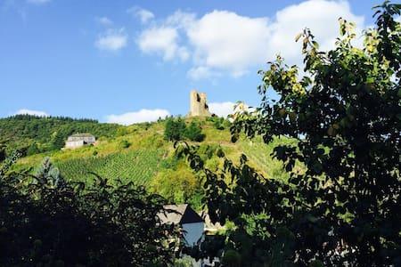 Ferienwohnung Ambiente I, Klotten/Cochem/Mosel - Klotten - Huoneisto