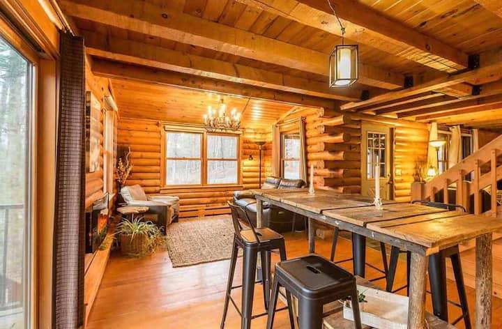 Unique Log Cabin With Private Access to River