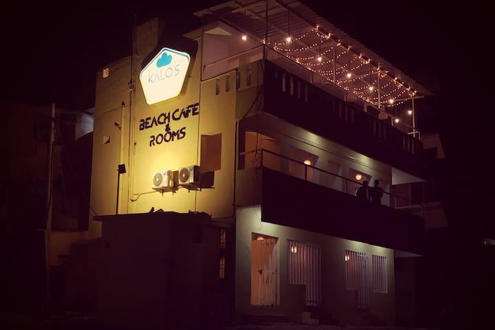 Kalo's Beach cafe - Private sea facing room 1
