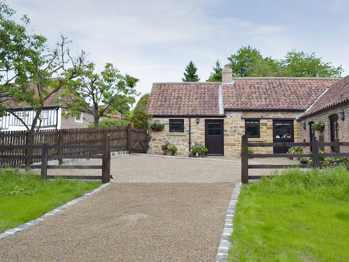 Paper Mill Cottage (29836)