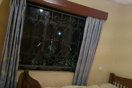Excellent bedroom in family house. - Nairobi