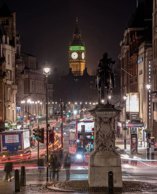Trafalgar Square and top London attractions are a stone's throw away