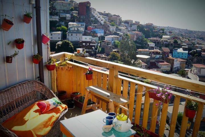 Dans un recoin poétique de la ville - Valparaiso - Bed & Breakfast