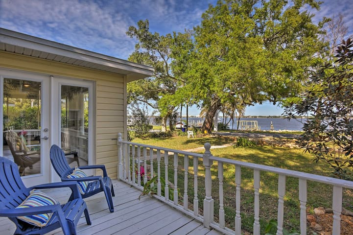 NEW-Idyllic Waterfront 3BR Cottage on Indian River