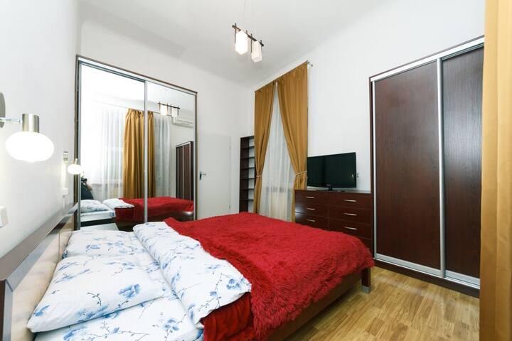Apartment near Golden Gates