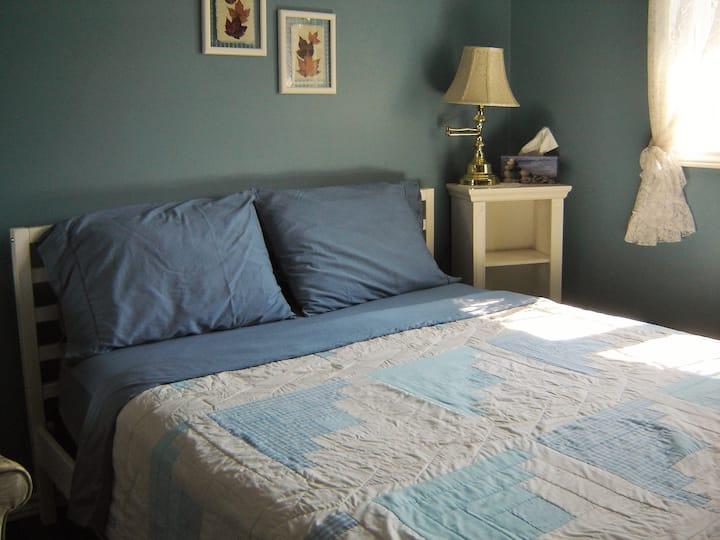 A queen size bed in Eden.