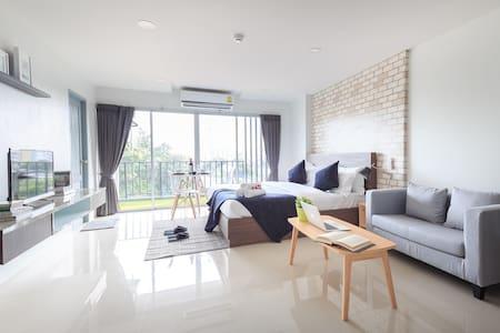 NEW Apt  QSPACE19 (near MRT Ratchadapisek) - Bangkok - Apartment-Hotel