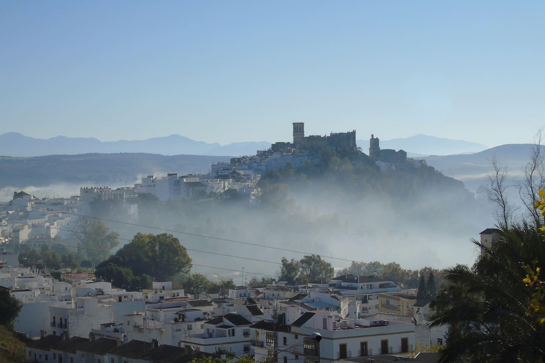 Arcos de la Frontera in the early morning fog