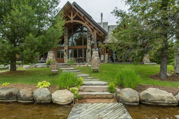 Lorimer Lake Timberframe - A perfect mix of Muskoka charm & modern luxury!