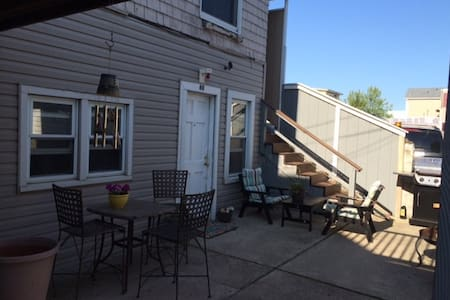 Great Escape! 1,300 sq. ft immaculate Condo - Seaside Heights - Apartamento