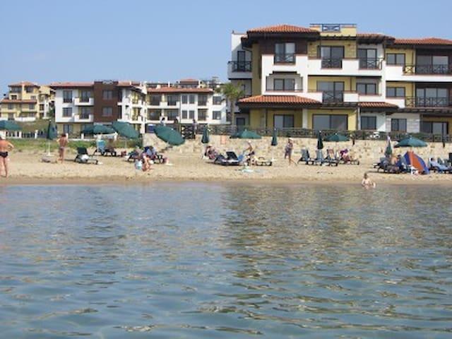 Апартаменты  на море в комплексе  Свети Никола