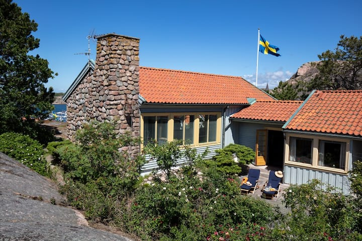 Beautiful house with best views in Fjällbacka.