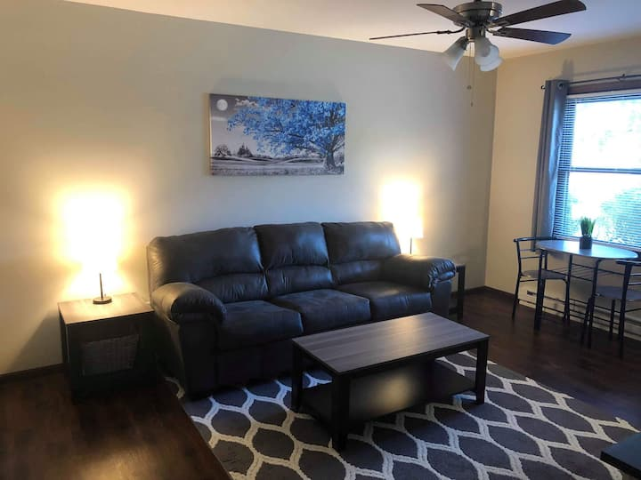 Be Cozy In a King Sized Bed In Kendallville!