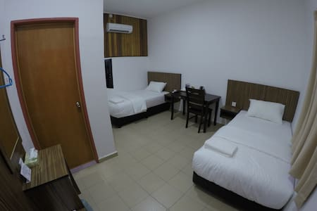 Summer Beach Lodge-Standard Twin Room - Labuan - Hus