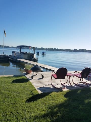 Liberty Landing - Lake Retreat + ND Football Games