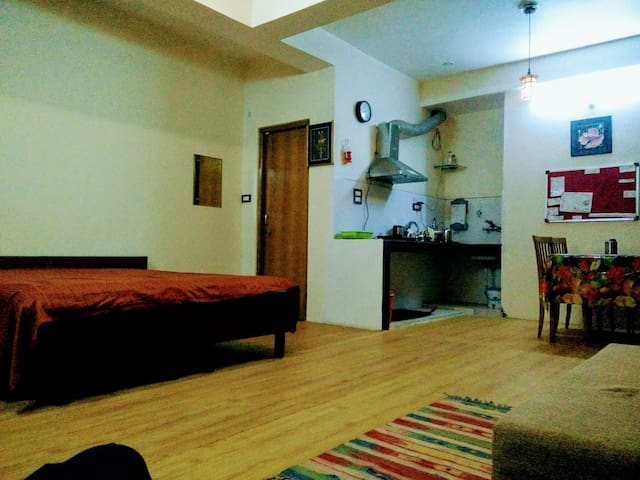 Studio Apartment with Amazing View - Shimla - Byt