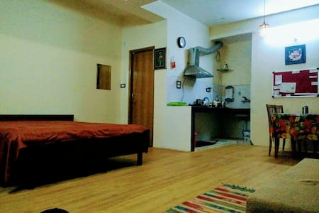 Studio Apartment with Amazing View - Shimla - Wohnung