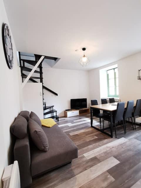 Joli appartement, Dol de Bretagne, Mt St Michel.