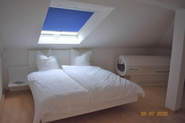 Helles gemütliches 2-Zimmer Apartment am Waldrand