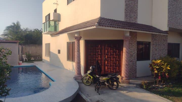 Casa Rabayda chachalacas