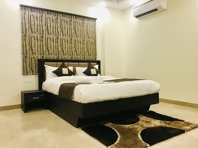 Olive 1 Bed Apt with Kitchen @ City Centre Delhi