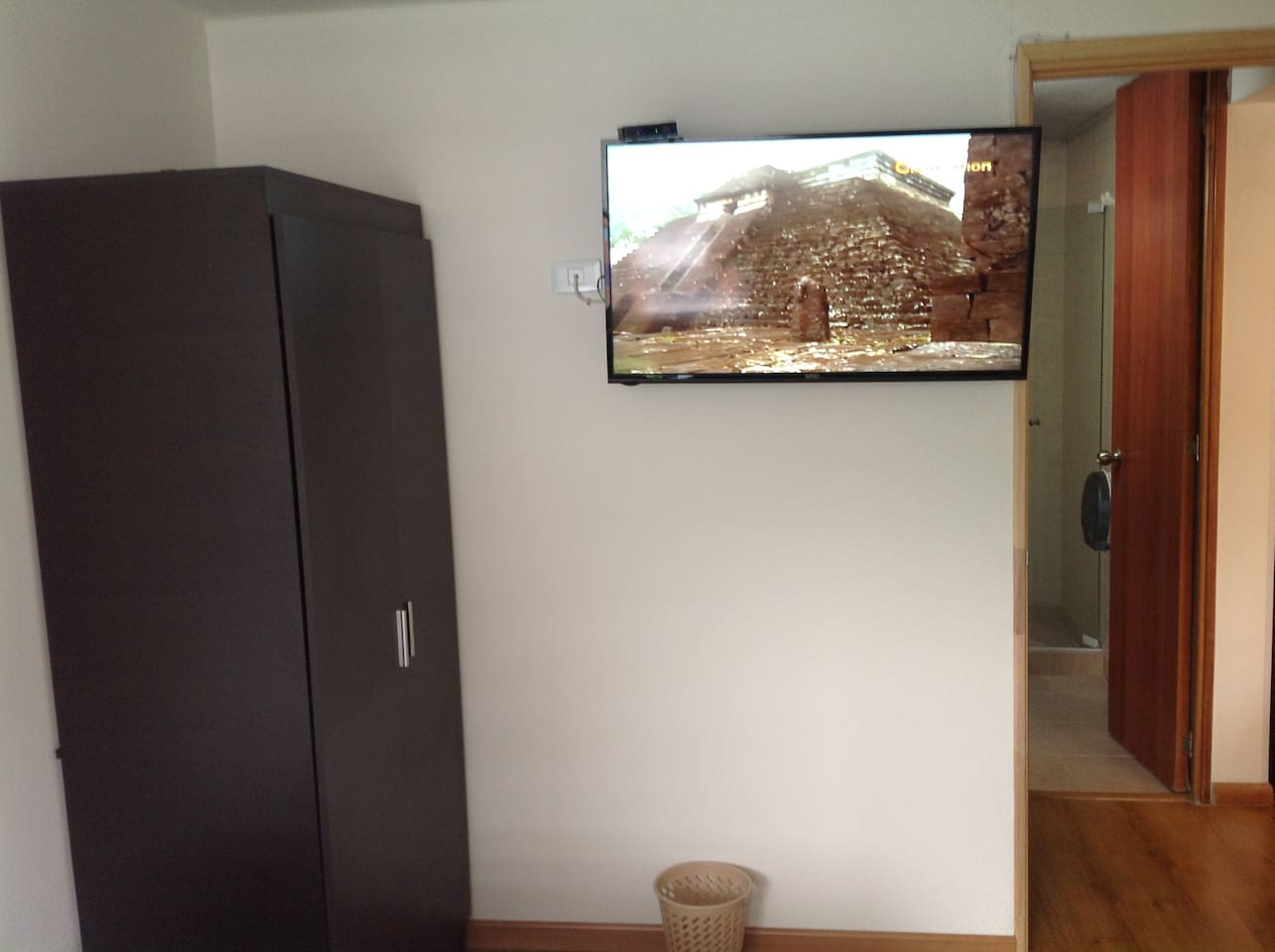 Furnished Rooms In The Best Neighborhood Of Medell Condominiums  # Muebles Un Kuarto Bogota