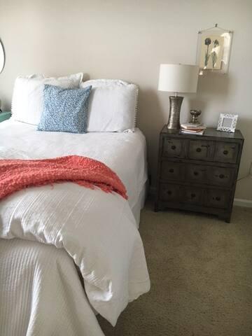 Cozy 2 bedroom Apt near beaches - 芒特普萊森特(Mount Pleasant) - 公寓