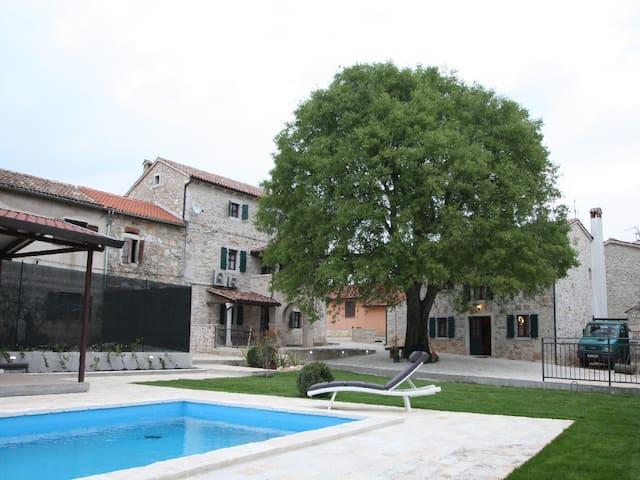 Villa Antonietta - Antonci - วิลล่า