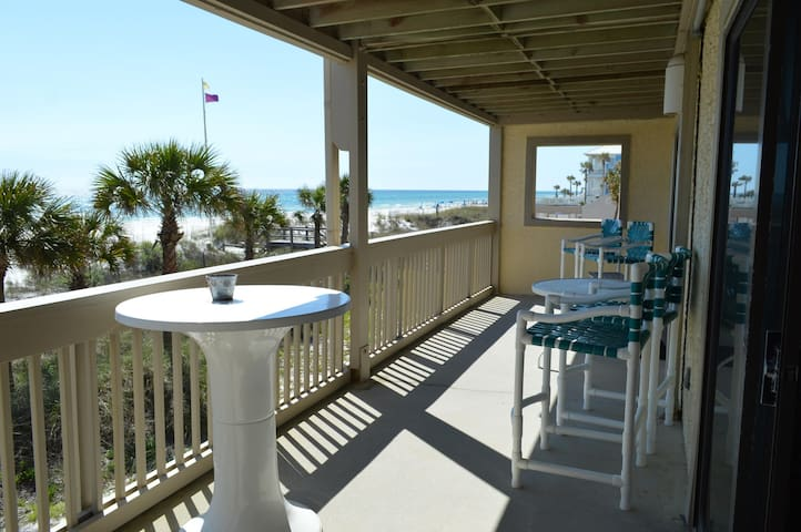 Perfect 2 Bedroom to Unwind and Relax in this Large Gulf Front Condo!
