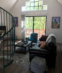 A Clean and Well Lighted Loft near Enloe and CSU