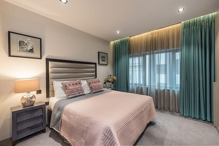 Luxury Piccadilly Apartment