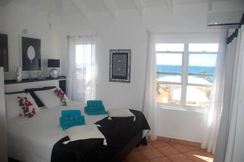 Fantastatic one bedroom front of the sea