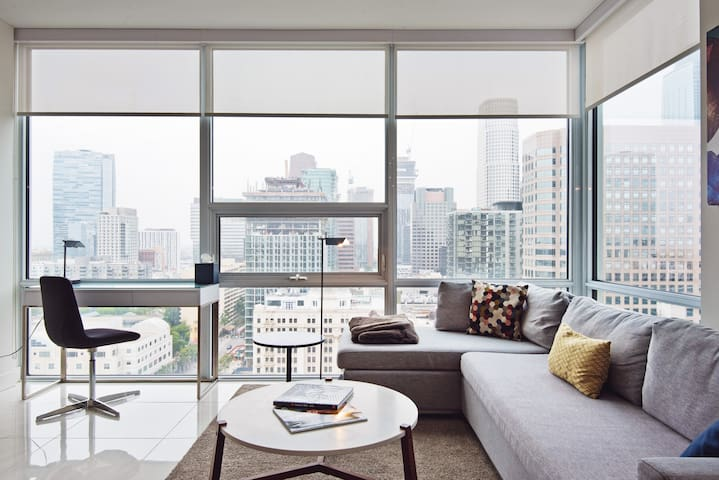 Savor the City in a Modern, Sunny Apartment