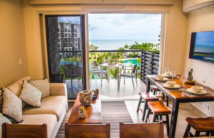 Luxury beach apartment: Ocean Breeze Playa Caracol