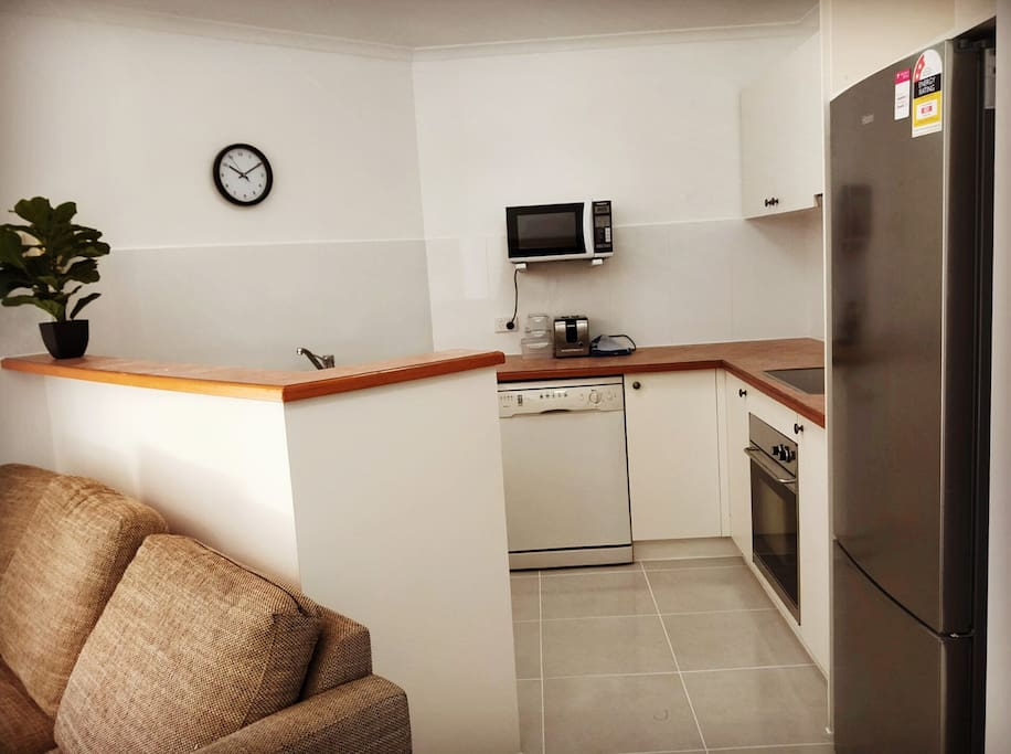 Full size kitchen: large fridge, dishwasher, coffee machine&coffee, microwave,toaster, oven,kettle,cook top