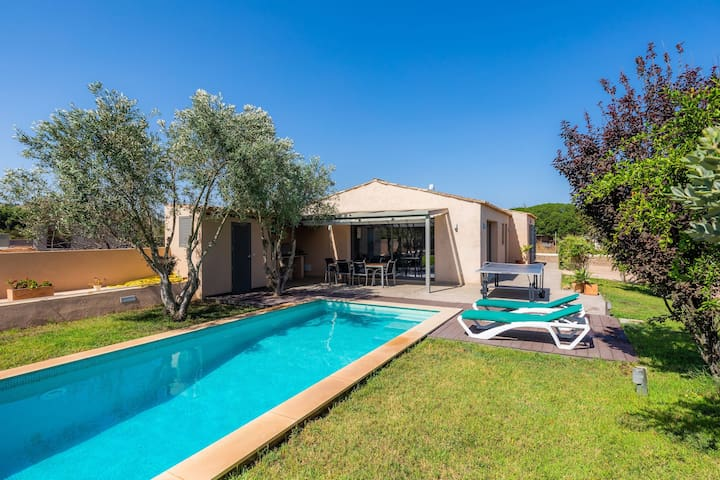 "Beautiful Finca ""Ses Oliveres"" with Pool, Garden, Terrace & Wi-Fi; Parking Available"