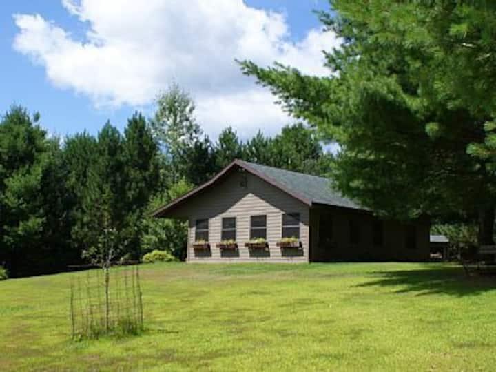 Cozy lil' Cottage