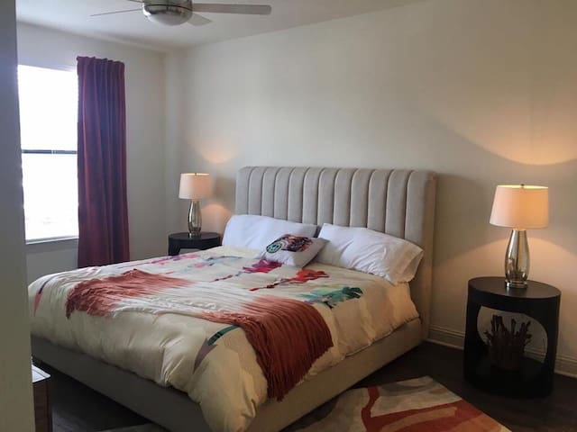 1 private bed/bath near ucf area