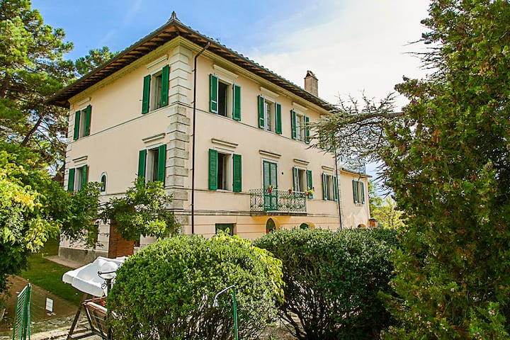 Villa on Lake Trasimeno -Fiordaliso