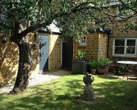 Private annex in Cotswold stone house
