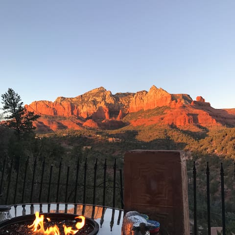 Old world charm with OMG !! views - Sedona - Huis