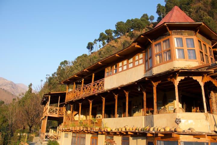 Himalayan Orchard Huts
