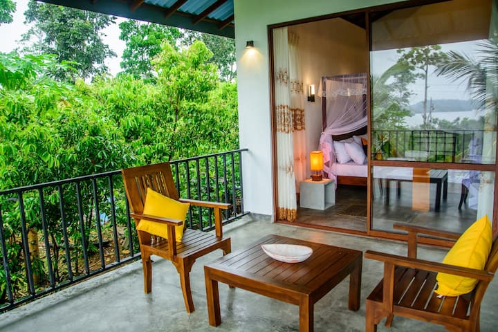 Villa Cinnamon - Lake View Deluxe Room with B/B