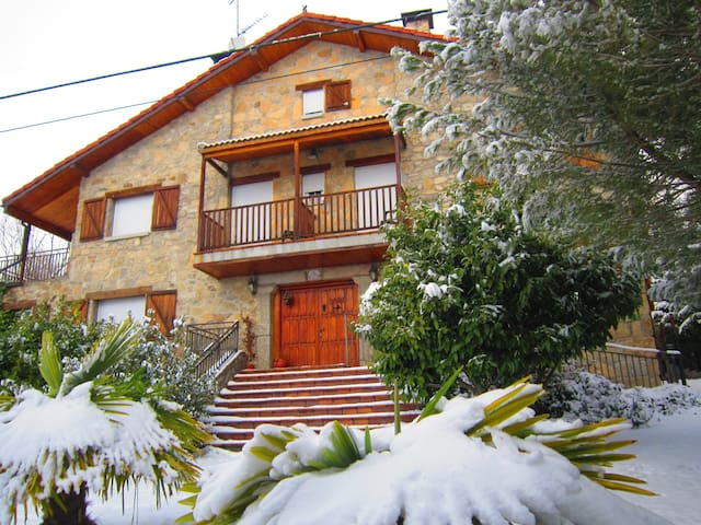 Casa Rural para 12 personas en Gredos!!