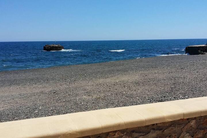 Alojamiento junto al mar en Villaricos