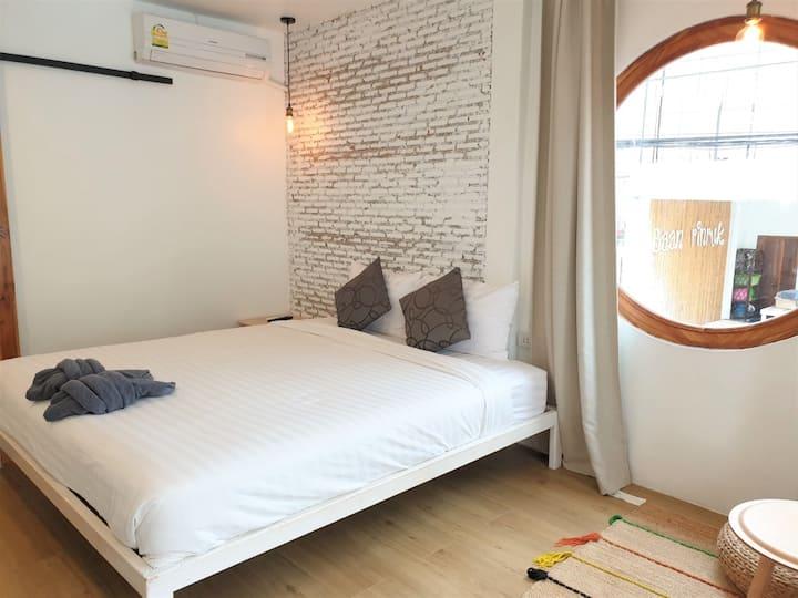 Clean Standard Room at Baan Rin Rak Resort