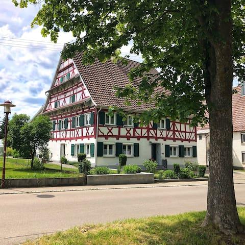90 Quadratmeter - Ferienwohnung am Bach
