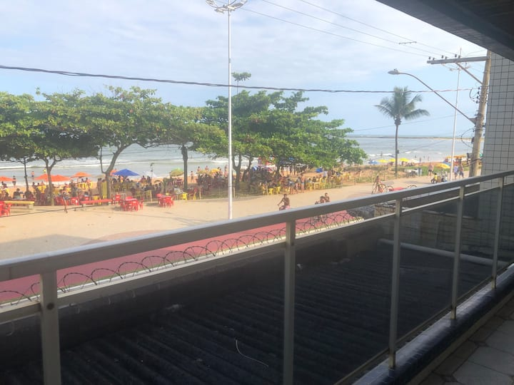 Apartamento 101 varanda para o mar